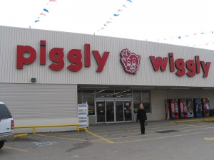 Piggly-Wiggly-Win-A-Date-With-Tad-Hamilton-1