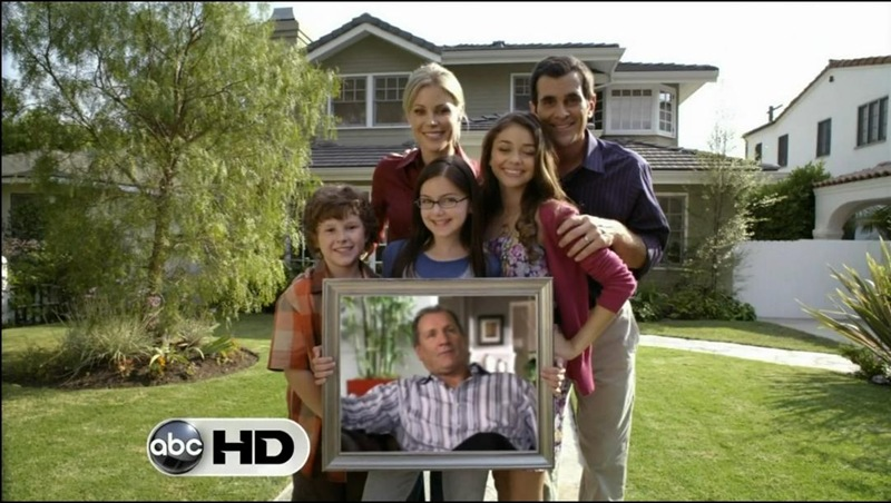 The First Modern Family House That Robert Managed To Track Down Was Residence Belonging Phil Aka Ty Burrell And Claire Julie Bowen Dunphy