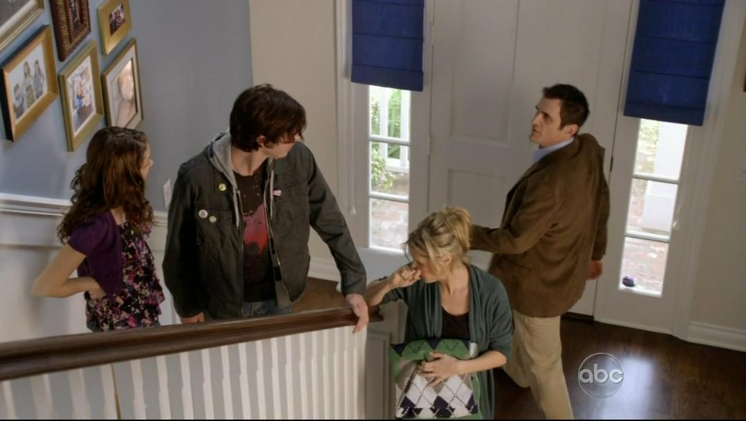 As You Can See In The Above Screen Captures Though An Entirely Different House Was Used Filming Of Pilot Episode Featured
