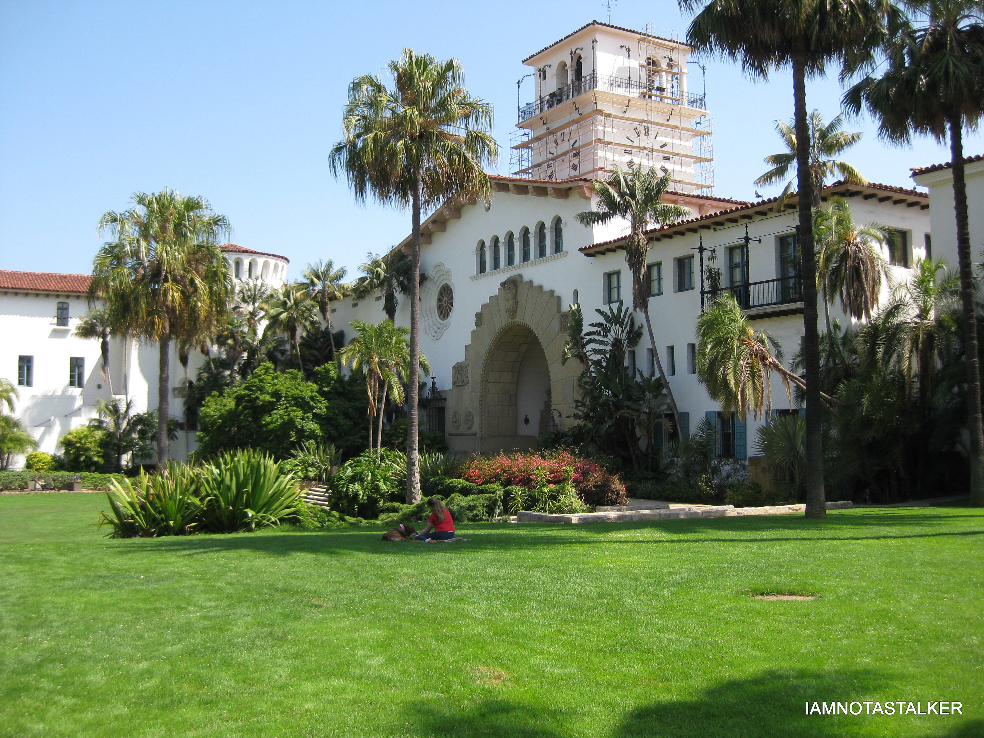 Hotels Near Santa Barbara Courthouse