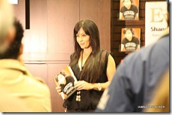 Shannen-Doherty-Book-Signing-(58-of-120)
