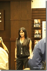 Shannen-Doherty-Book-Signing-(63-of-120)