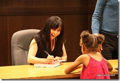 Shannen-Doherty-Book-Signing-(84-of-120)