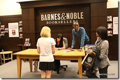 Shannen-Doherty-Book-Signing-(98-of-120)