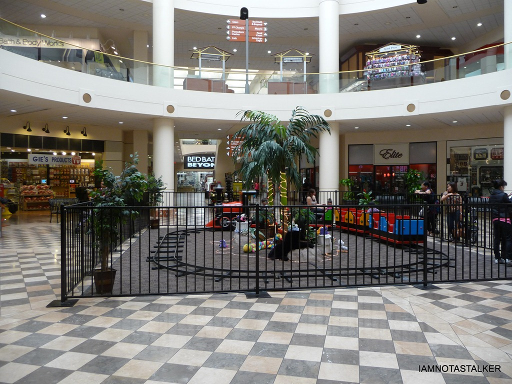 Burbank Town Center Mall From The Season 3 Finale Of Quot The