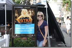 christina-aguilera-the-voice-extra-the-grove-244