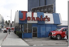 johnies-coffee-shop-3