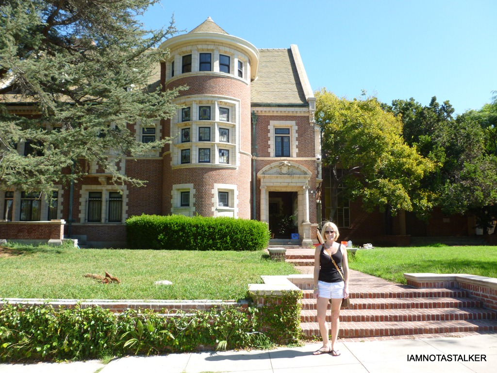 The american horror story house iamnotastalker for American horror house