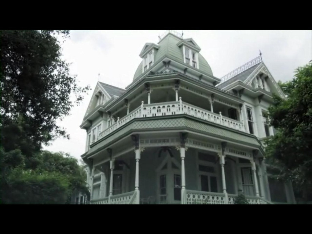 Mansion adena the a haunting in salem house for Salem house