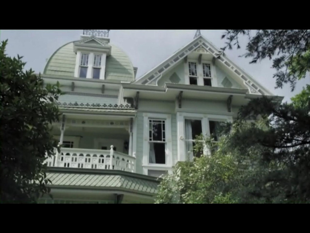 Mansion Adena The A Haunting In Salem House Iamnotastalker