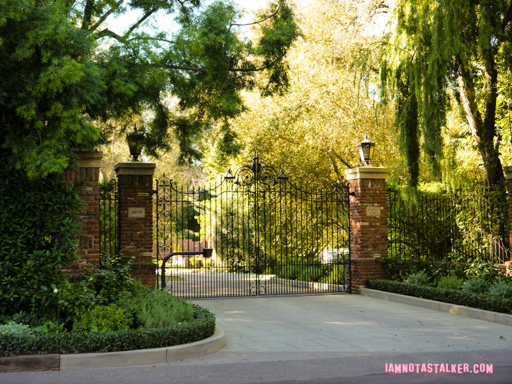 """Roger Azarian's House from """"Beverly Hills, 90210 ..."""