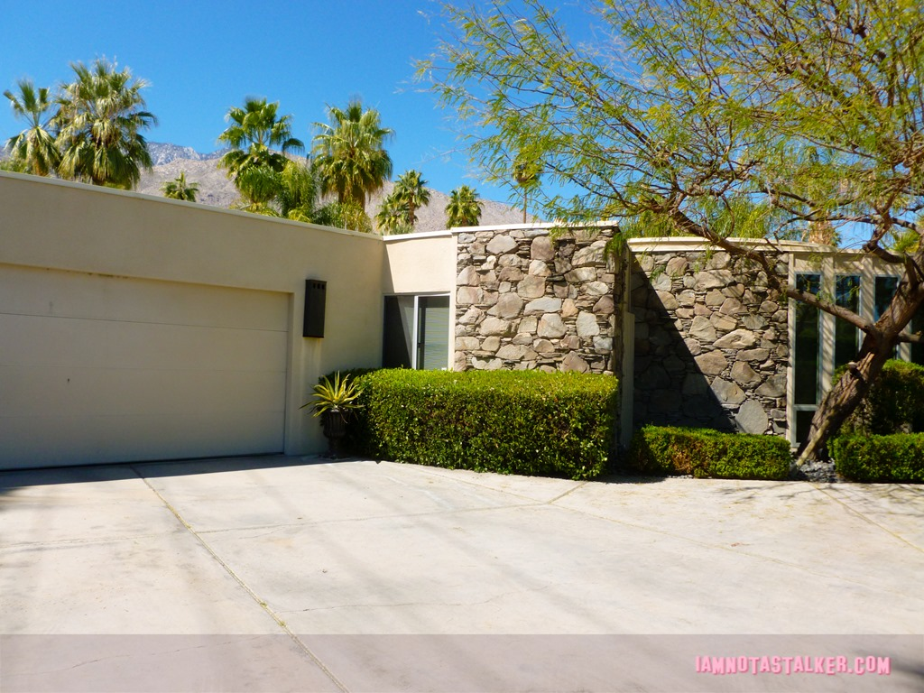 Loretta young 39 s palm springs house iamnotastalker for Buy house palm springs