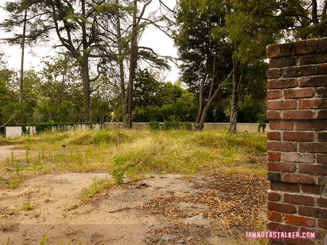 Liza Minnelli's abandoned house (16 of 22)