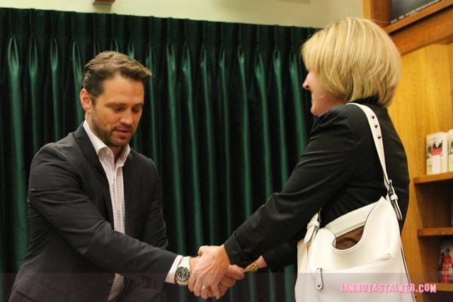 Jason Priestley Signing (4 of 6)