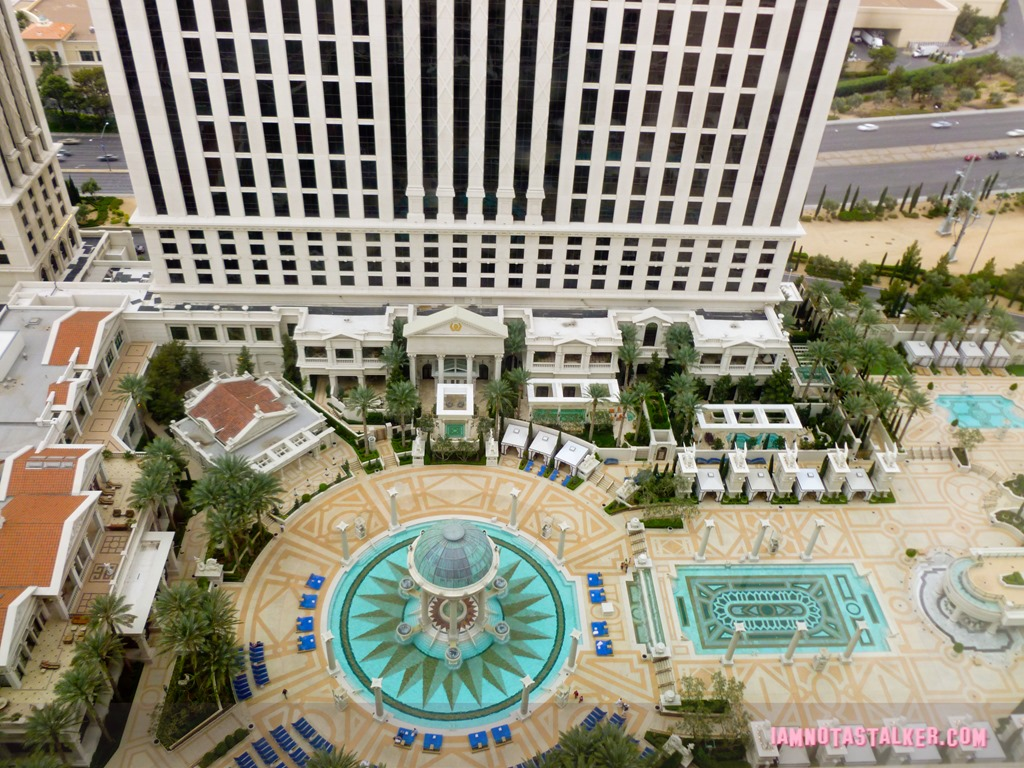 Caesars palace from the hangover iamnotastalker for Garden of gods pool oasis