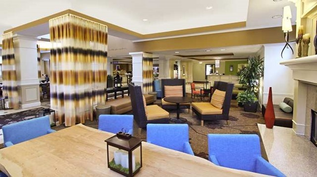 The fresh and modern lobby of our Calabasas hotel welcomes you.