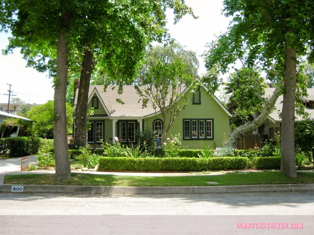 Sara's House from Grandfathered - pilot-1